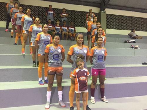 Valencia faz jogo amistoso em preparação para a Copa do Brasil de Futsal  Feminino - Folha de Boa Vista 818c6247fb5c8
